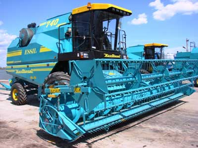 Комбайн зерноуборочный (Essil КЗС-740)