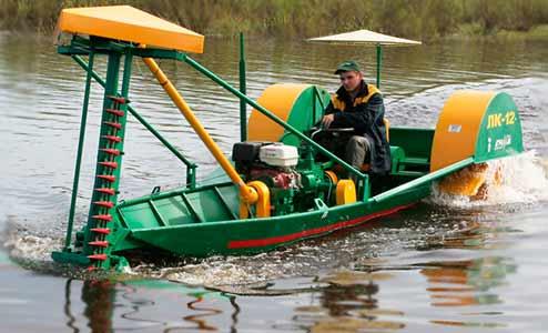 Лодка-косилка для уборки камыша (ЛК-12)