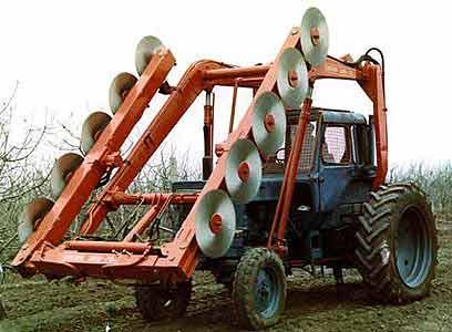Машина универсальная для контурной обрезки плодовых деревьев (МКО-3)