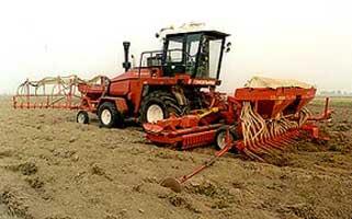 Агрегат универсальный комбинированный предпосевной обработки, внесения удобрений и высева семян (УКА-6)