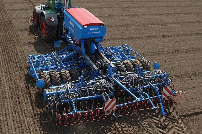 Комбинация почвообрабатывающая (Compact-Solitair)