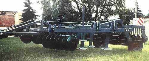 Агрегат комбинированный для предпосевной обработки почвы (КУМ-4)