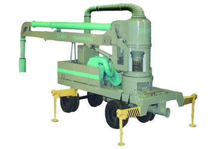 Перегружатель зерна мобильный пневматический на пневмоколесном ходу (ТА-46А)