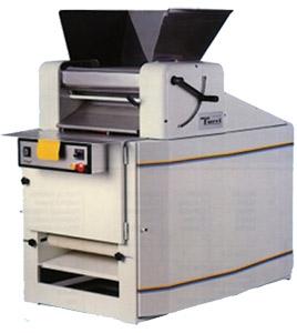 Машина автоматическая для формирования рогаликов (Turri CA 520)