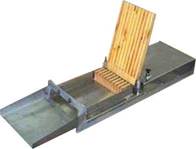 Пресс резки вафельных плит (ВРП-2000)