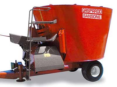 Миксер кормораздатчик с одним вертикальным шнеком и разгрузкой на две стороны (Sansone)