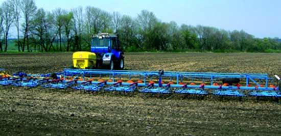 Агрегат для внесения в почву жидких минеральных удобрений и средств защиты растений (ОЗП)