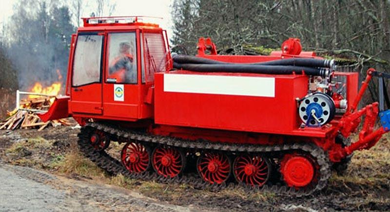 Трактор гусеничный (Онежец-310)