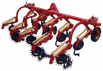 Культиватор окучник для ухода за картофелем на почвах засоренных камнями (КНО-2,8-06)