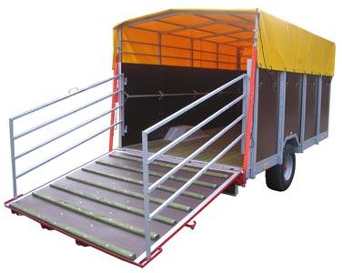 Прицеп сельскохозяйственный для перевозки скота (Kurier)